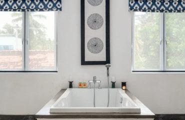19 59 Kkden2 Kkbeach Bathroom1 1400x900 1