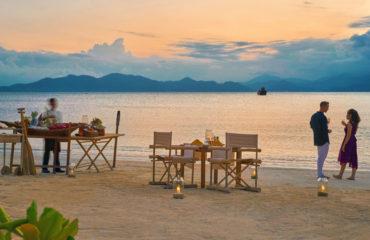Romantic Beach Barbecue Dinner 8431 Large