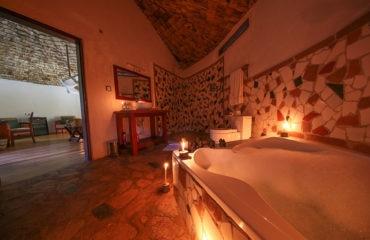 Honeymoon Suite Bathroom Bath And Shower