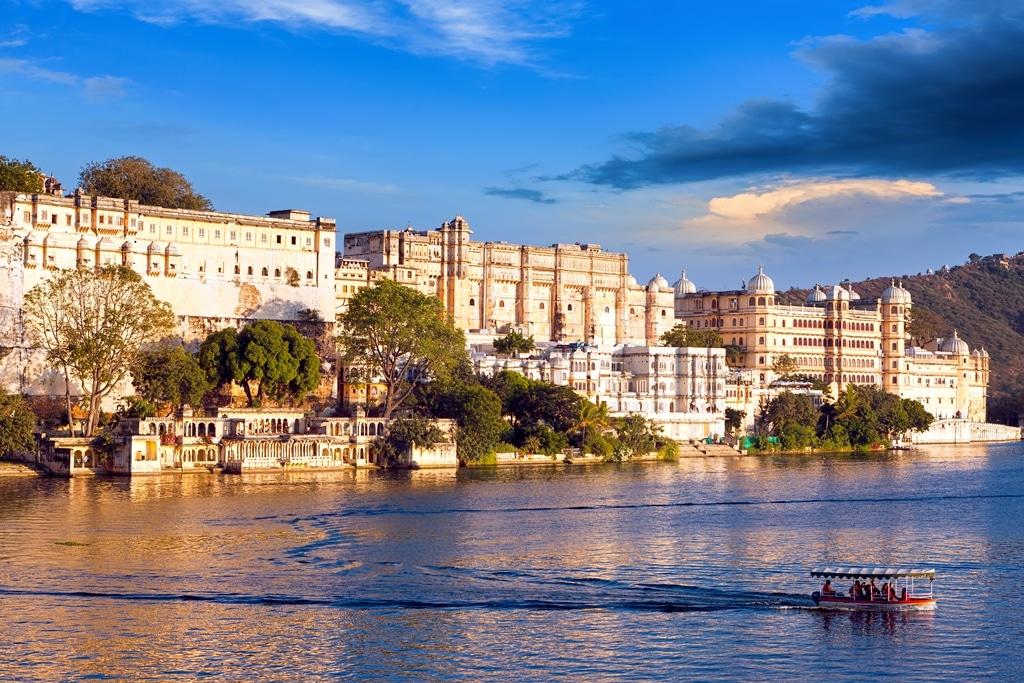 City Palace Pichola Lake Udaipur